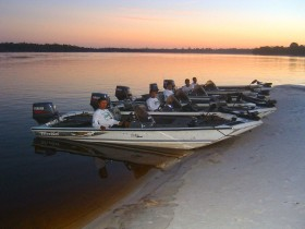 Guides for fishing in the Amazon