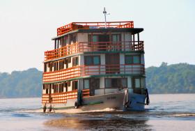 Brazil-Amazon-Otter-HouseboatSM