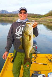 Fishing Lake El Salto in Mexico